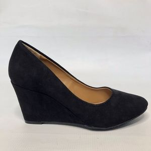 Attention Harley Black Wedge NWT